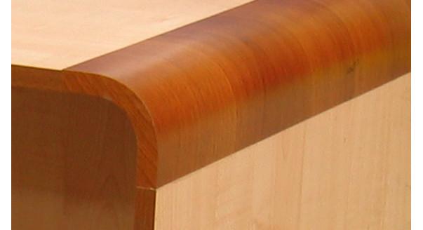 Пример мебели, облицованной меламиновым покрытием.