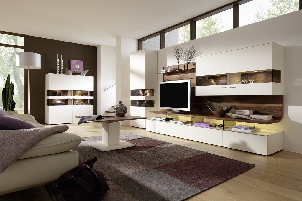 Приятный современный интерьер комнаты