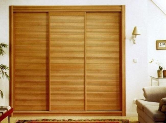 Шкаф с бамбуковыми жалюзи