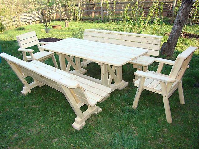 Садовая и дачная деревянная мебель
