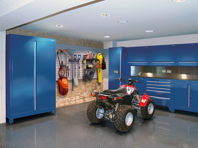 Синие шкафы