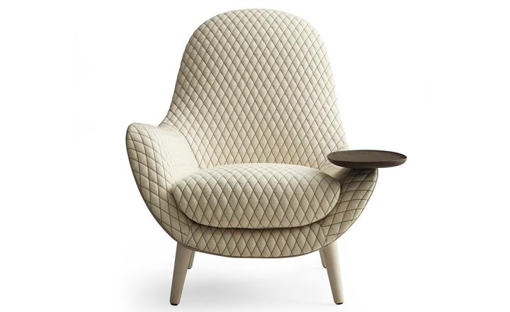 Современное белое кресло
