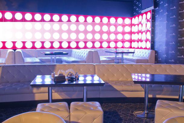 Столы для клубов