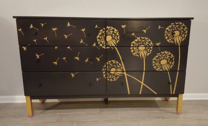 Трафарет на мебели