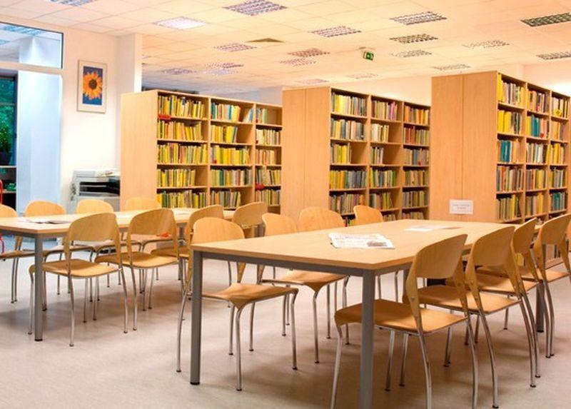 Удобная мебель для библиотеки
