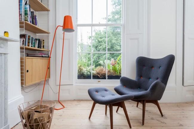 Удобный синий стул