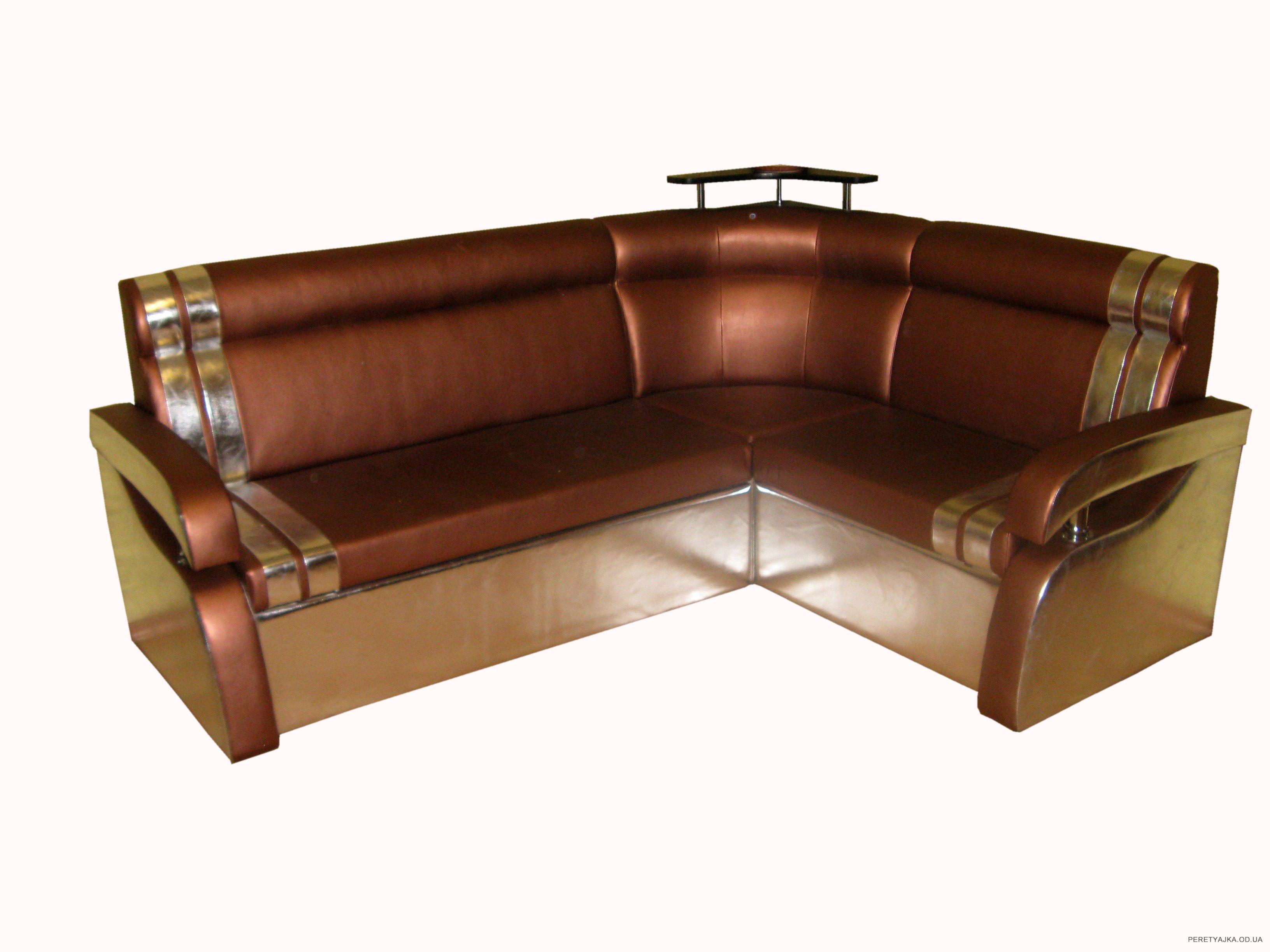 Угловой практичный диван для обустройства кухни