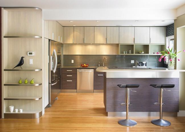 Угловые кухонные гарнитуры очень компактны