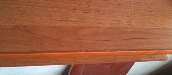 Установленный кант на мебели