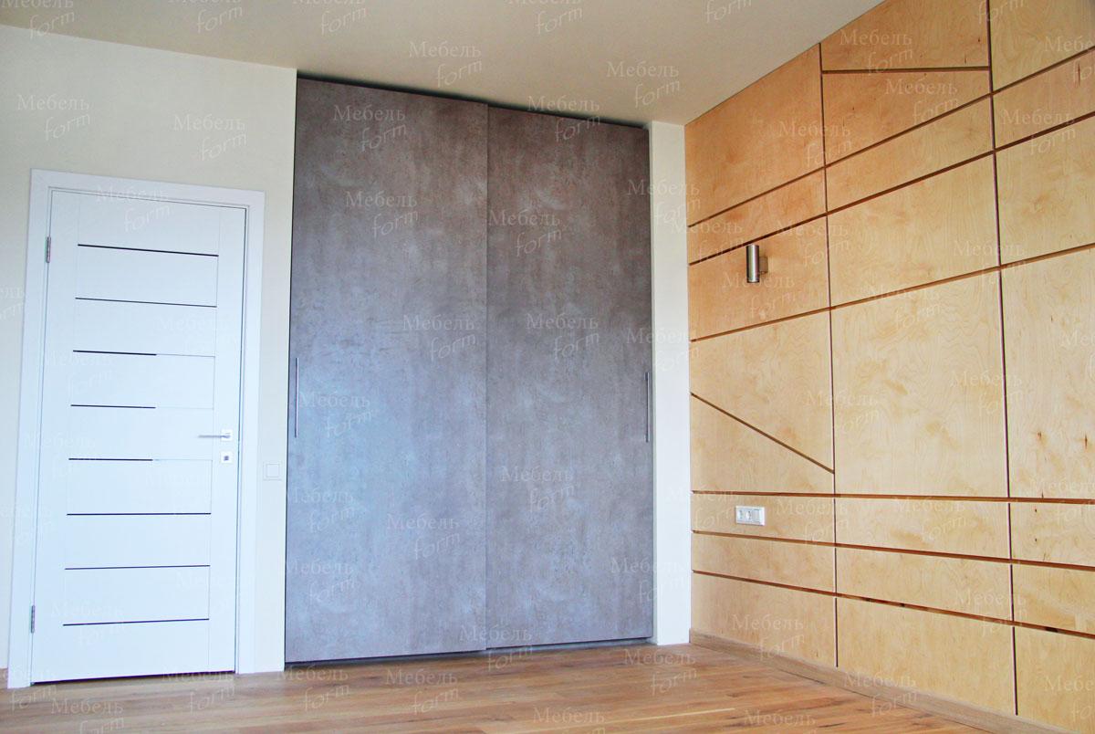 Встроенный шкаф коричневого цвета в скандинавском стиле