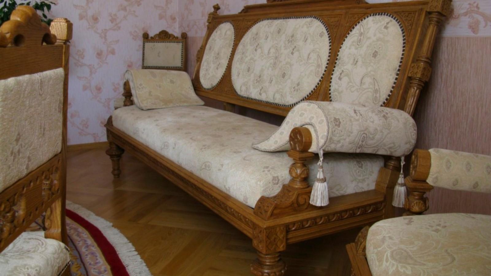 Выбор дивана для гостиной комнаты