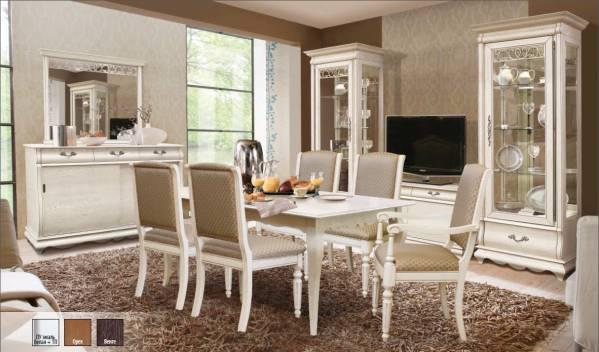 Выбор стульев и столов