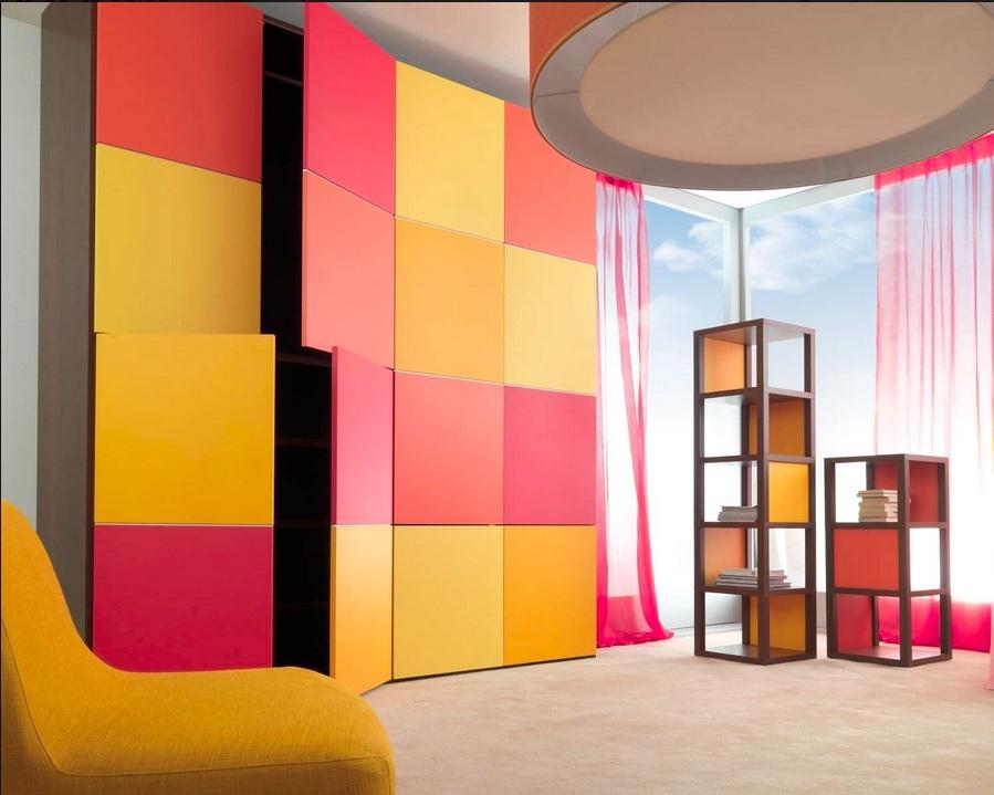 Яркие элементы шкафа