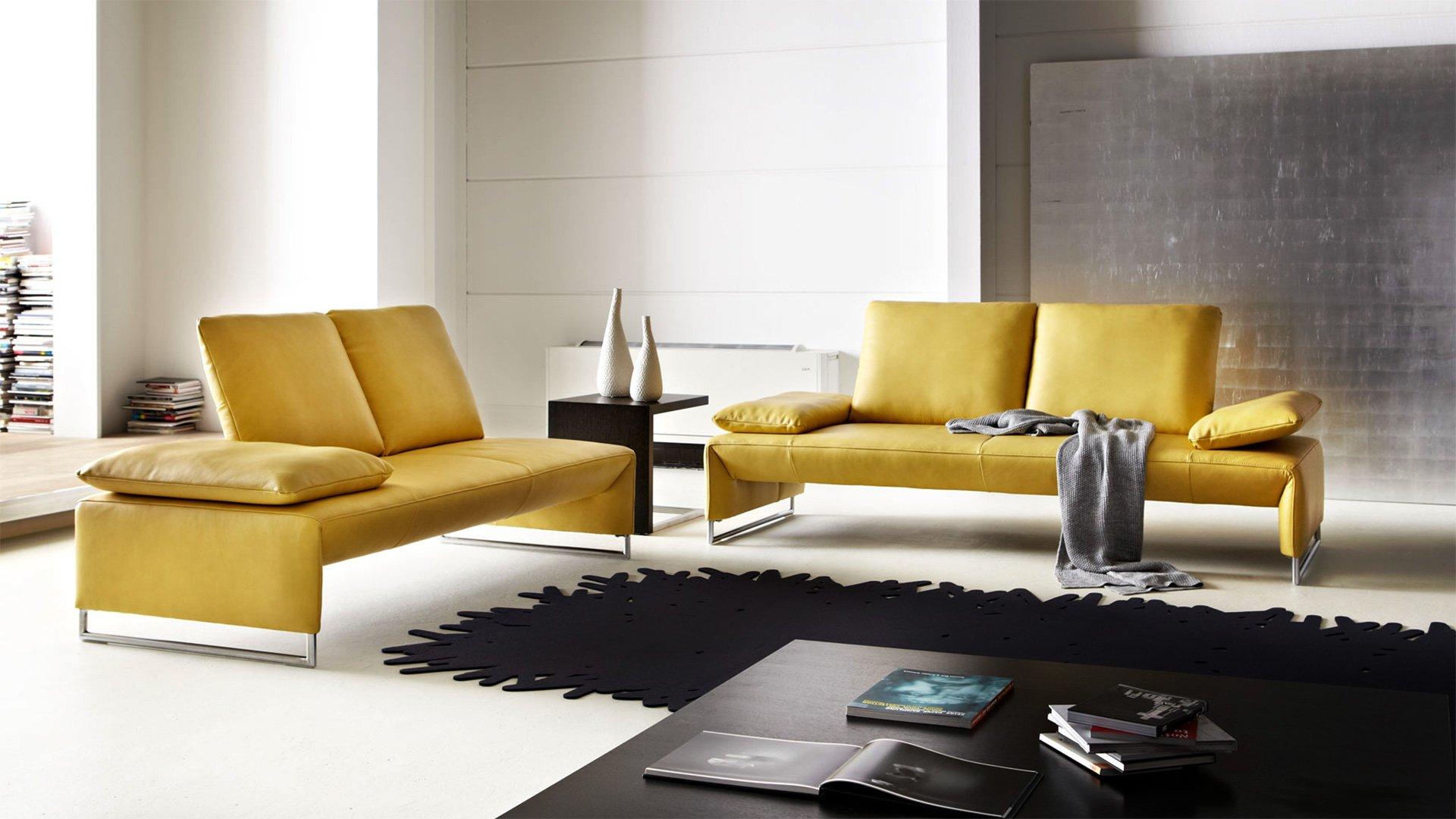 Желтые диваны в интерьере
