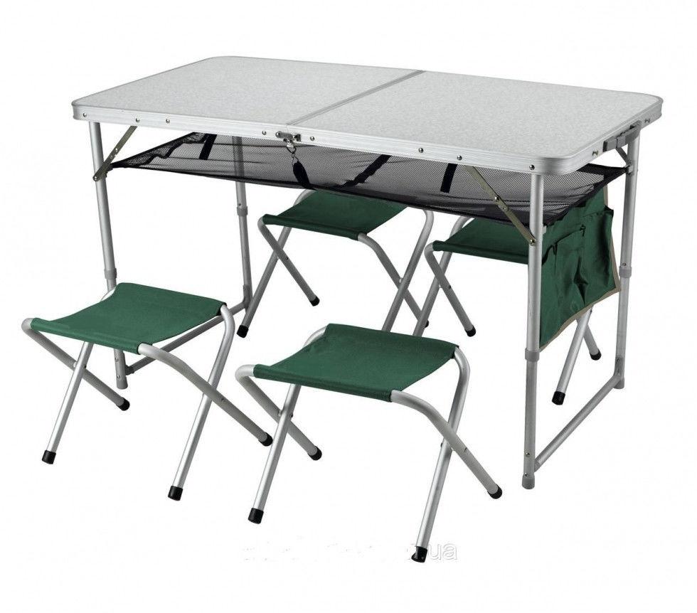 Зеленые стулья для проведения отдыха