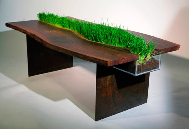 Зеленый стол от дизайнера