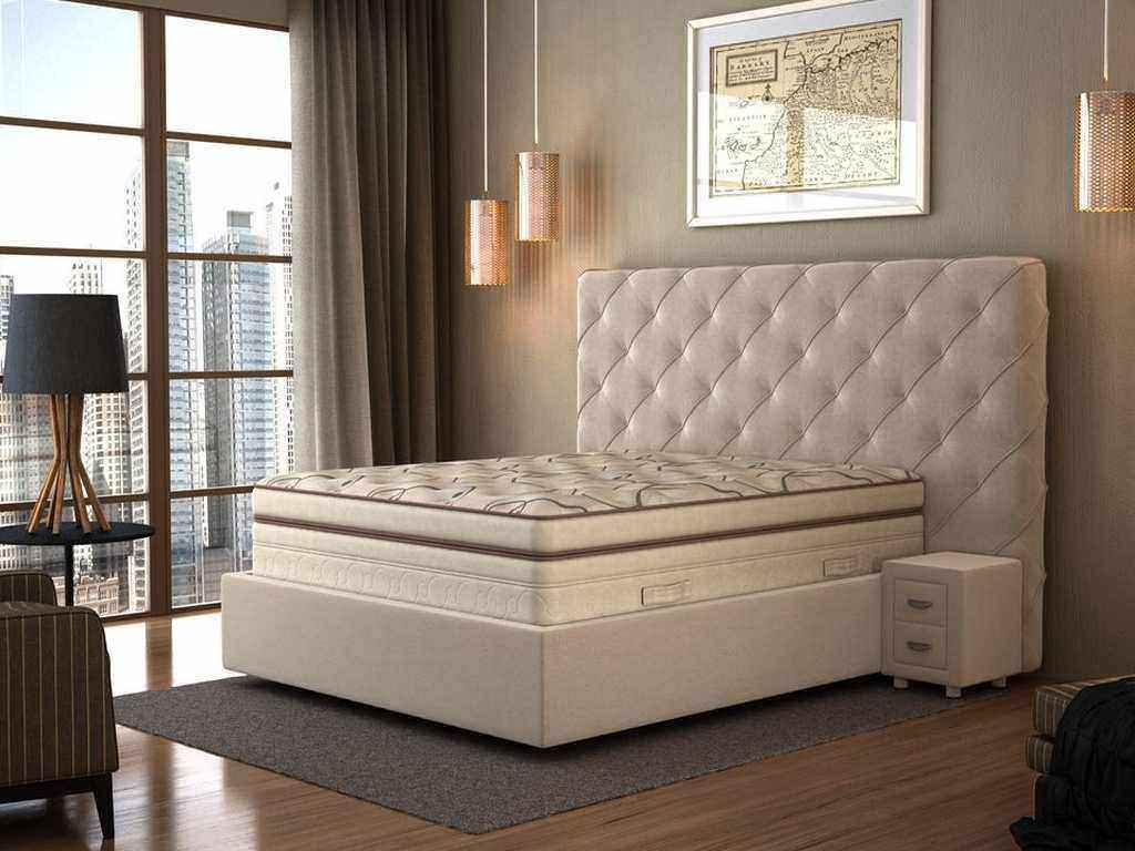 Белая высокая шикарная кровать