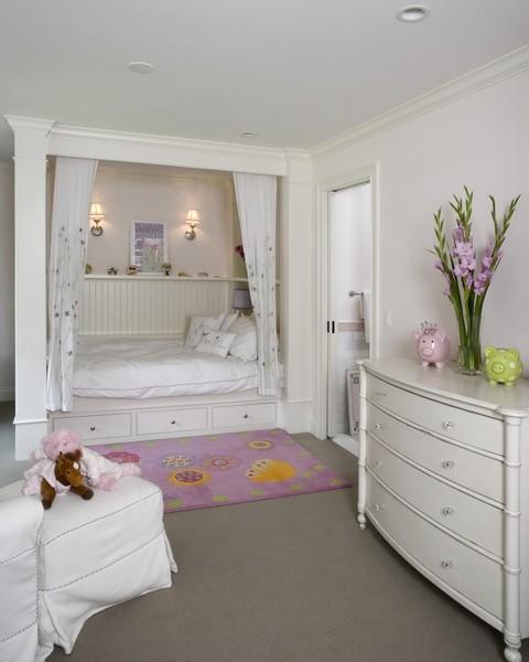 Белые нотки интерьера спальни