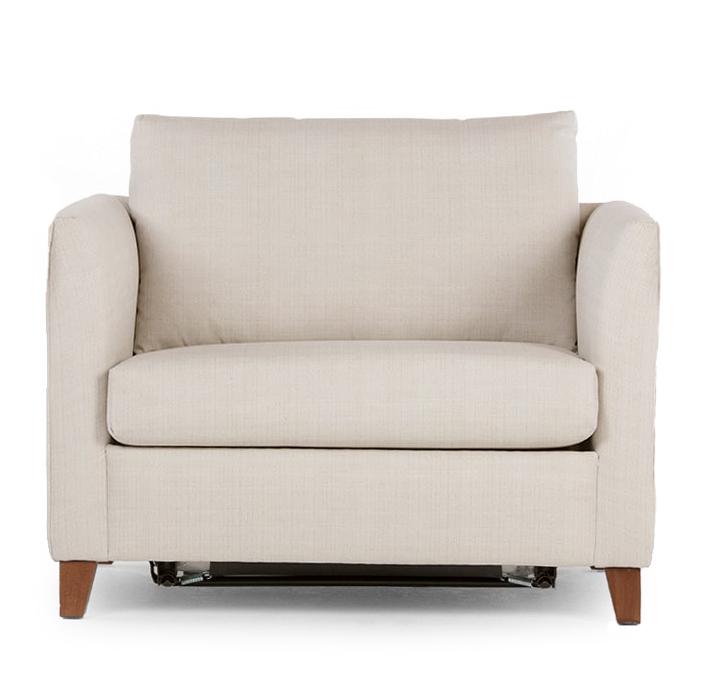 Бежевое кресло со спальным удобным местом