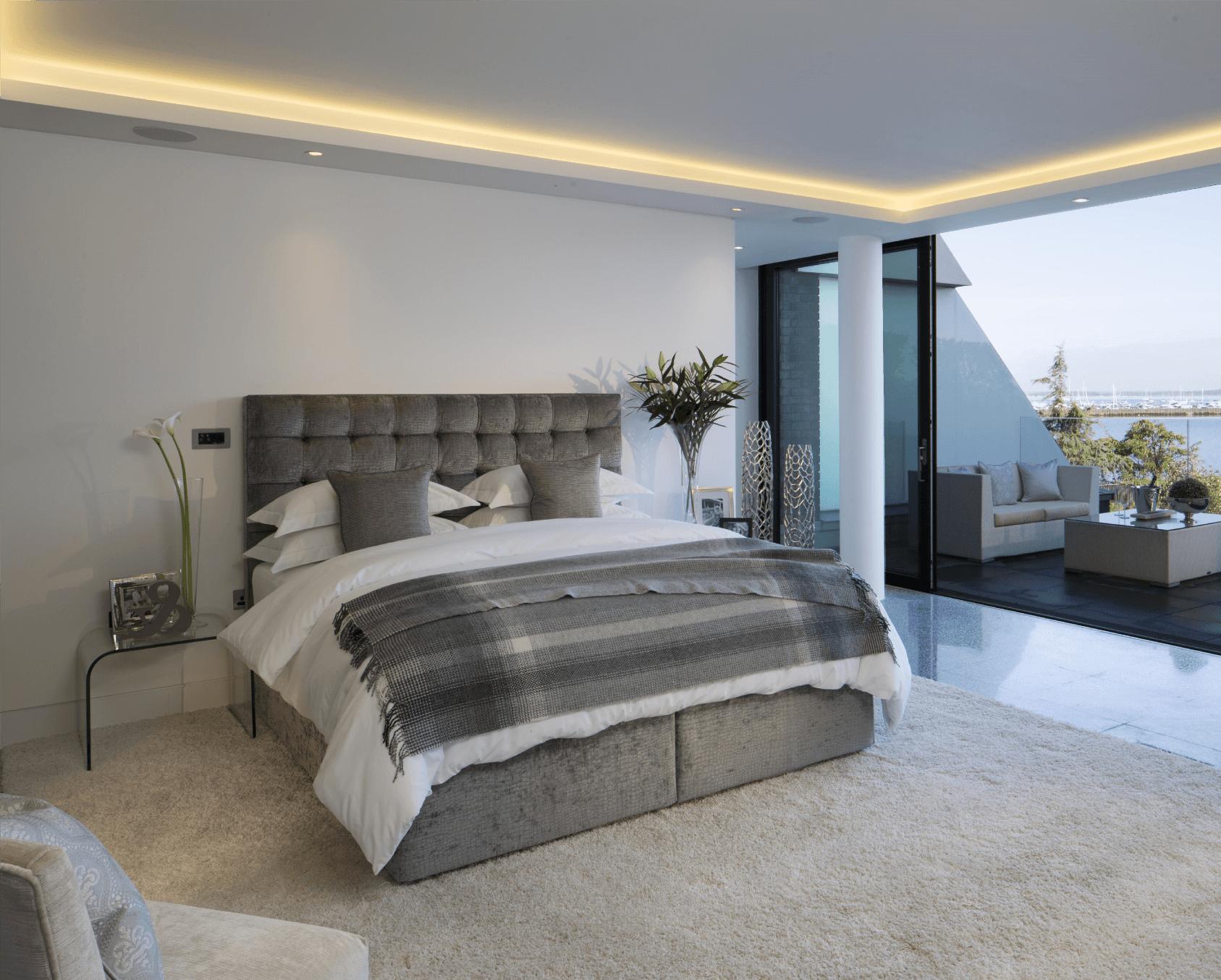 Большие элитные кровати