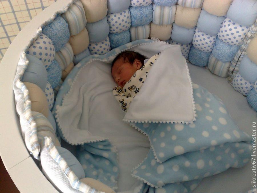 Бортики круглой кровати