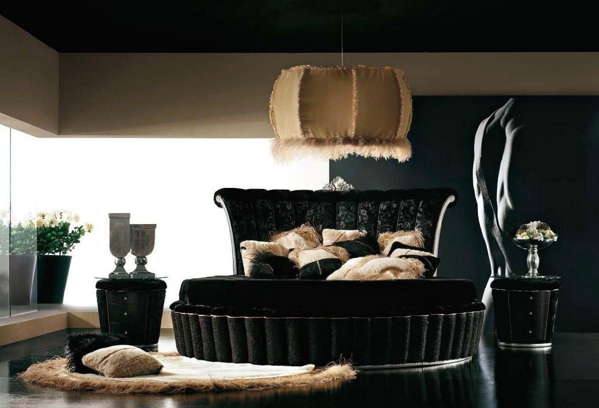 Черная мебель необычной формы