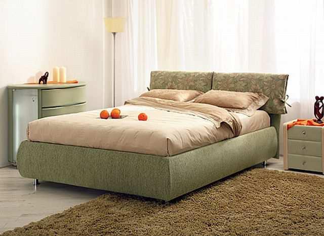 Чтобы кровать смотрелась более компактно, приобретайте модель в стиле минимализма