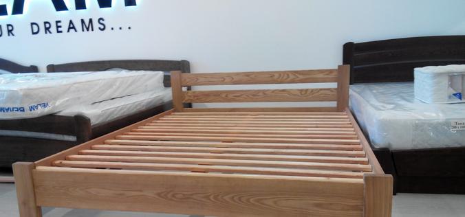 Деревянная кровать из массива ясеня