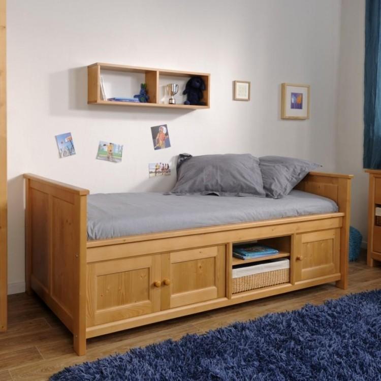 Деревянные предметы мебели для обустройства спальни