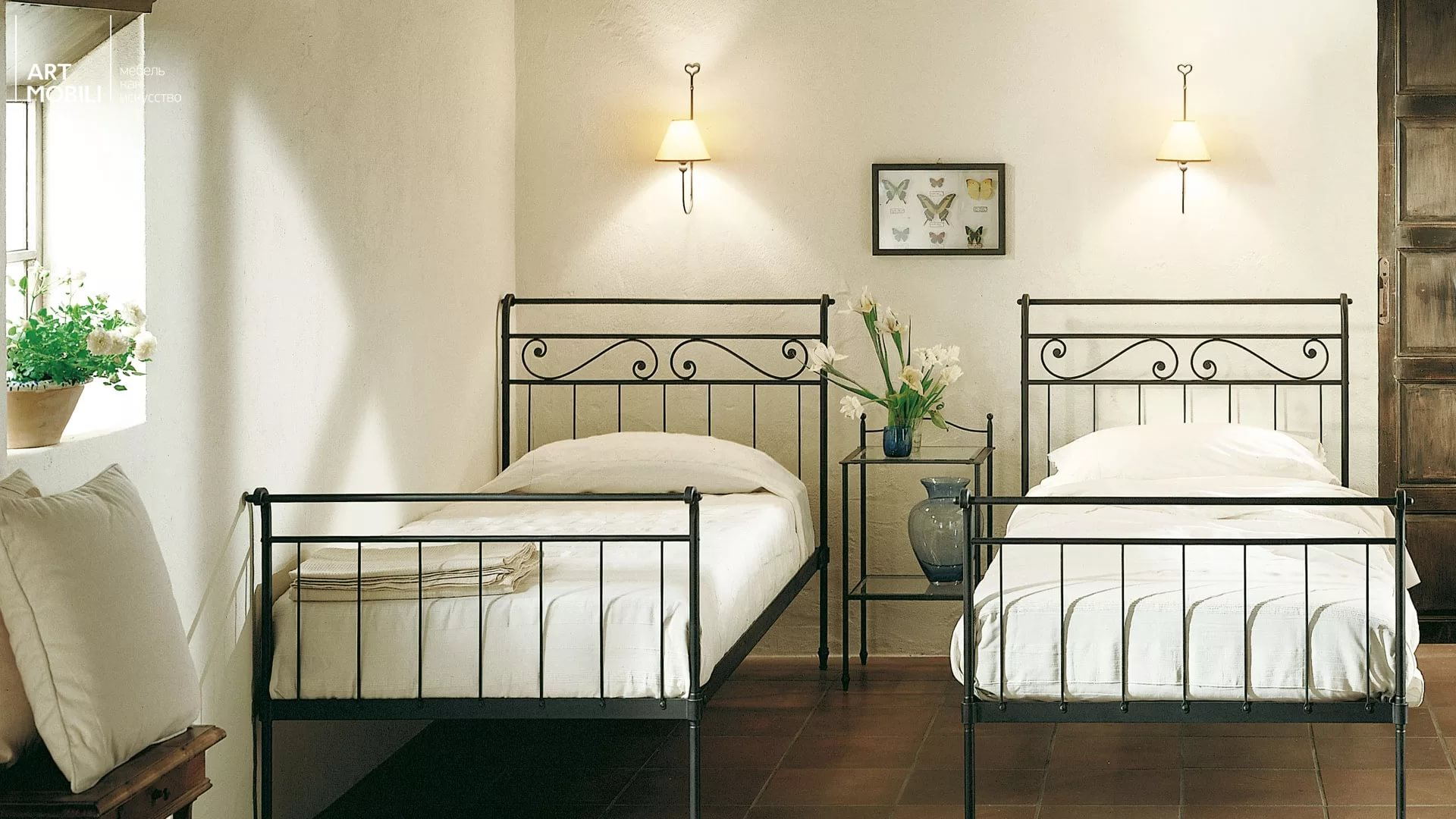 Две кровати из металла
