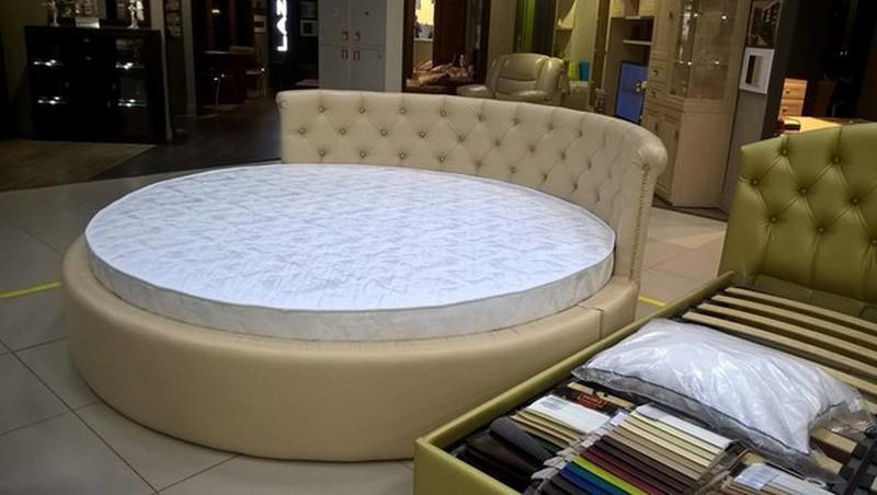 Двухспальная кожаная круглая кровать