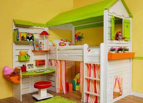 Двухъярусная мебель для девочки
