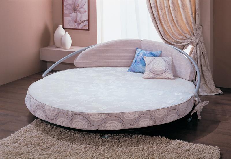 итальянская круглая кровать отличительные внешние особенности