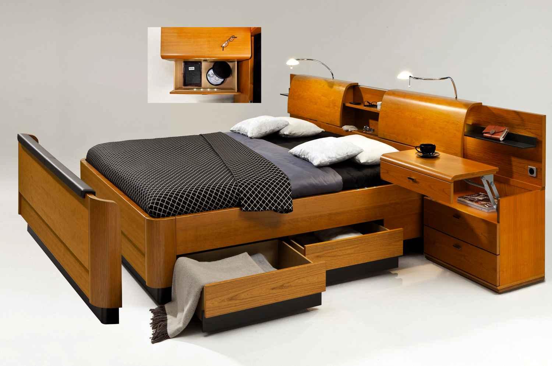 Двуспальная оригинальная кровать для дома