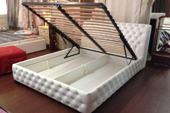 Двуспальные кровати для дома