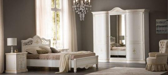 Элитные итальянские кровати из массива дерева от производителя