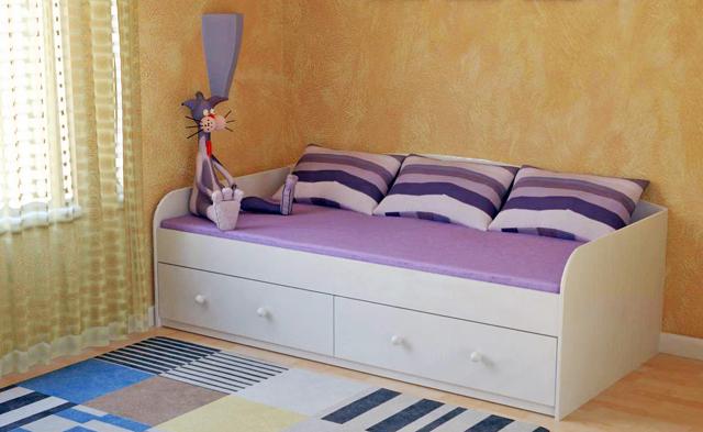 Фиолетовый раскладной диван с ящиками