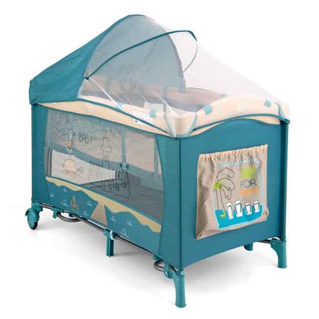 Голубые оттенки кроватки для сна