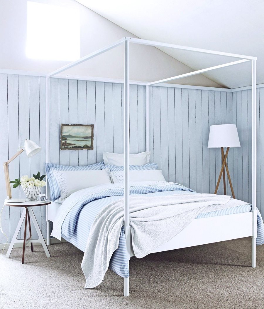 Голубые оттенки в комнате