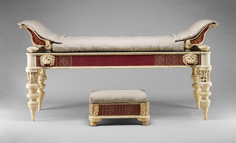 Характерные для ампира предметы мебели
