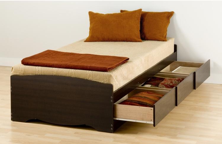 Идея обустройства небольшой спальни