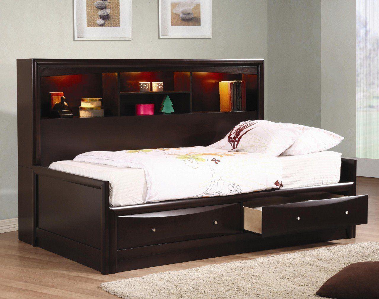 Какую купить детскую кровать с ящиками