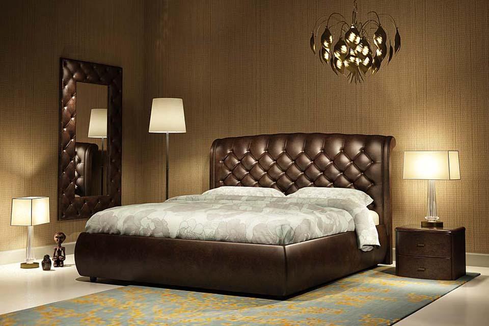 Кожаная дорогая кровать коричневого цвета