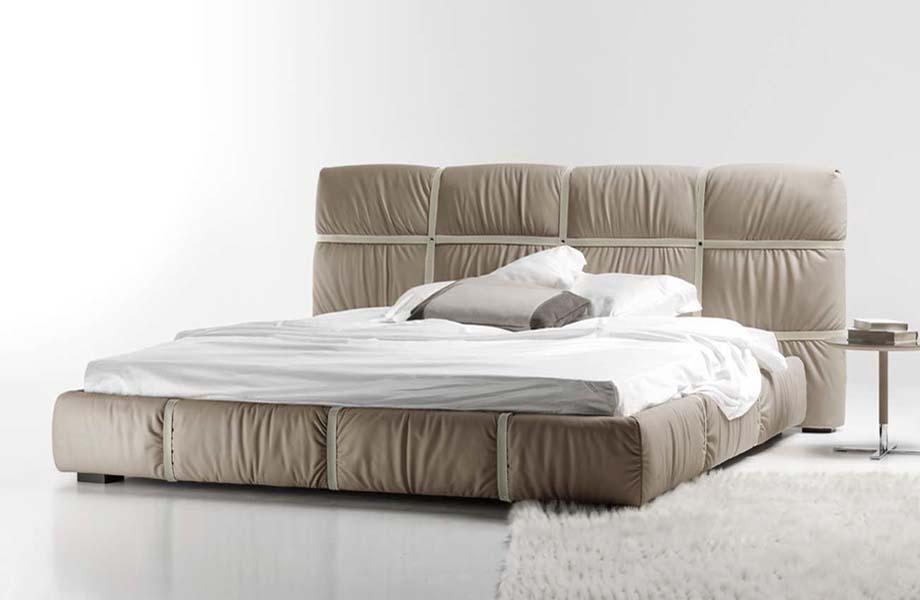 Кожаная кровать минимализм