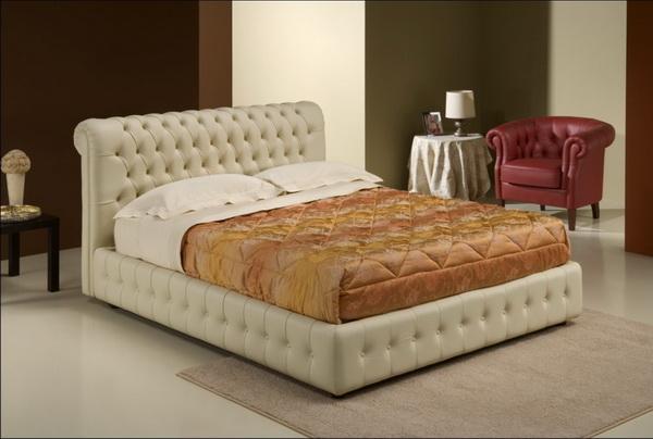 Кожаная кровать станет украшением для любой спальни