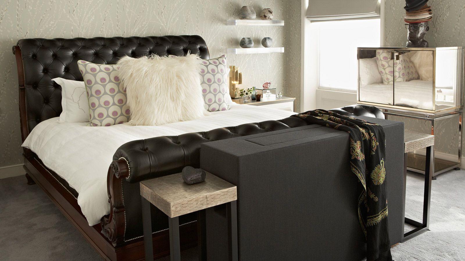 Кожаная кровать в нарядном дизайне украсит вашу спальню