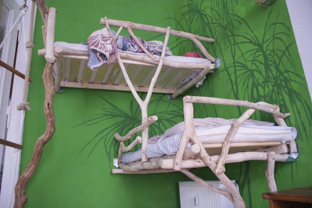 Креативная кровать для новорожденных детей навесного типа