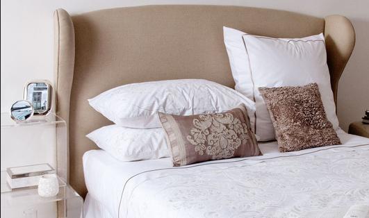Кровать двуспальная оригинальная с ушками