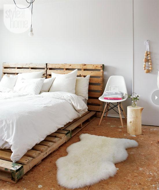 Кровать из поддонов для креативного стиля