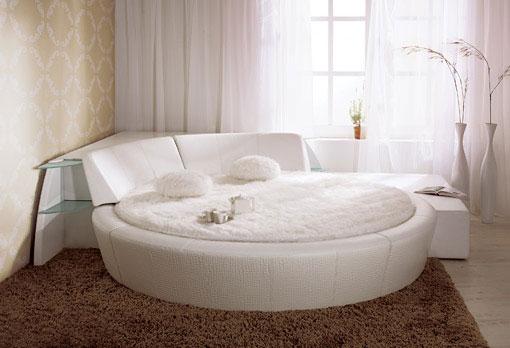Кровать как изюминка комнаты